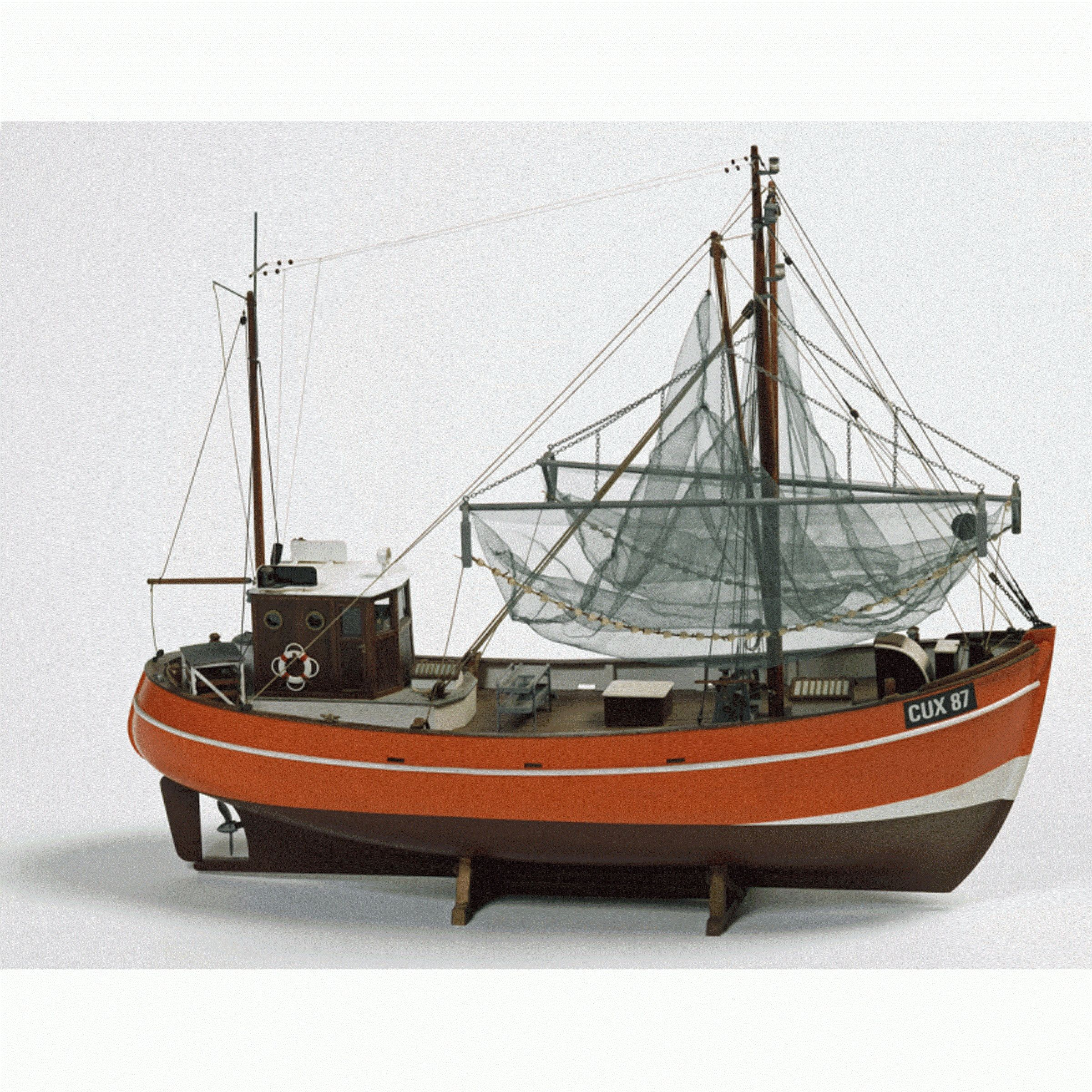 1616-9252-Cux-87-Krabben-Kutter-Model-Boat-Kit
