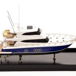 Maritimo 70 Model Yacht