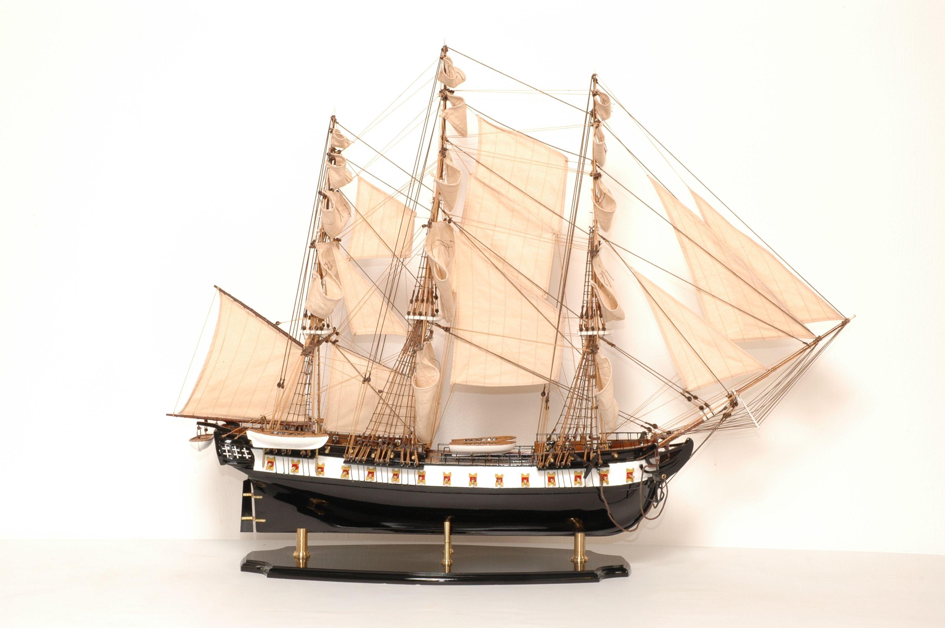 141-8175-USS-Constitution-Model-Ship-Superior-Range