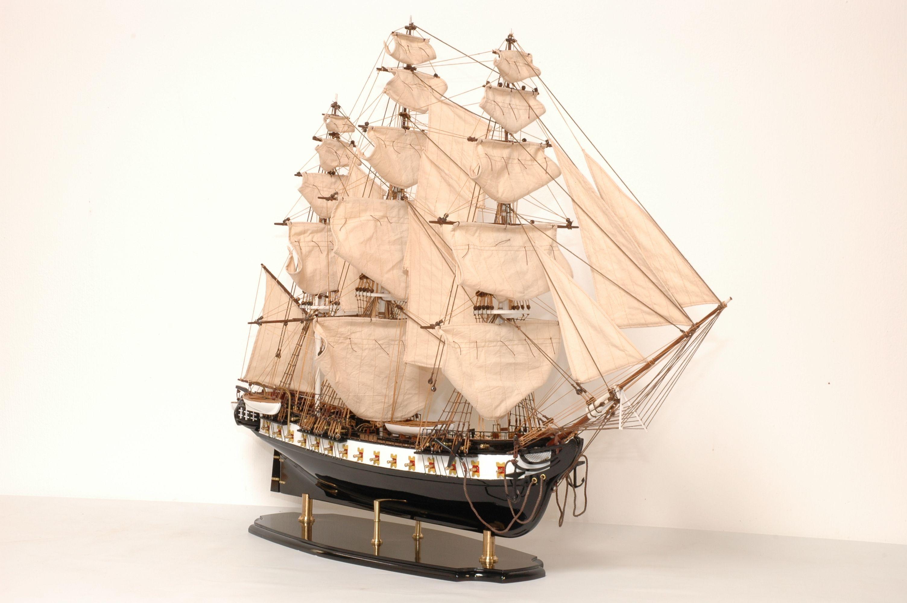 141-8176-USS-Constitution-Model-Ship-Superior-Range
