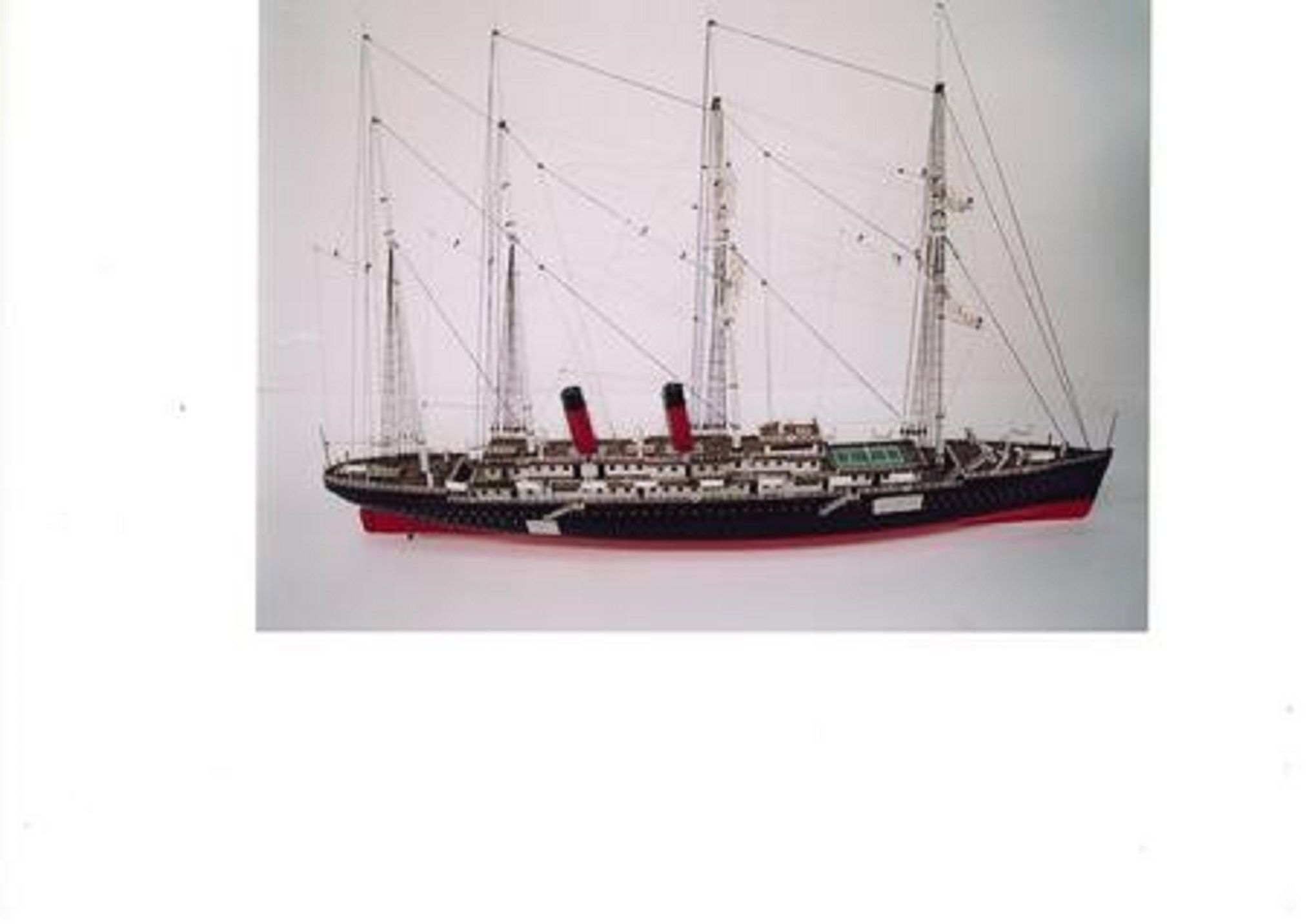 220-7500-La-Normandie-model-ship-Premier-Range