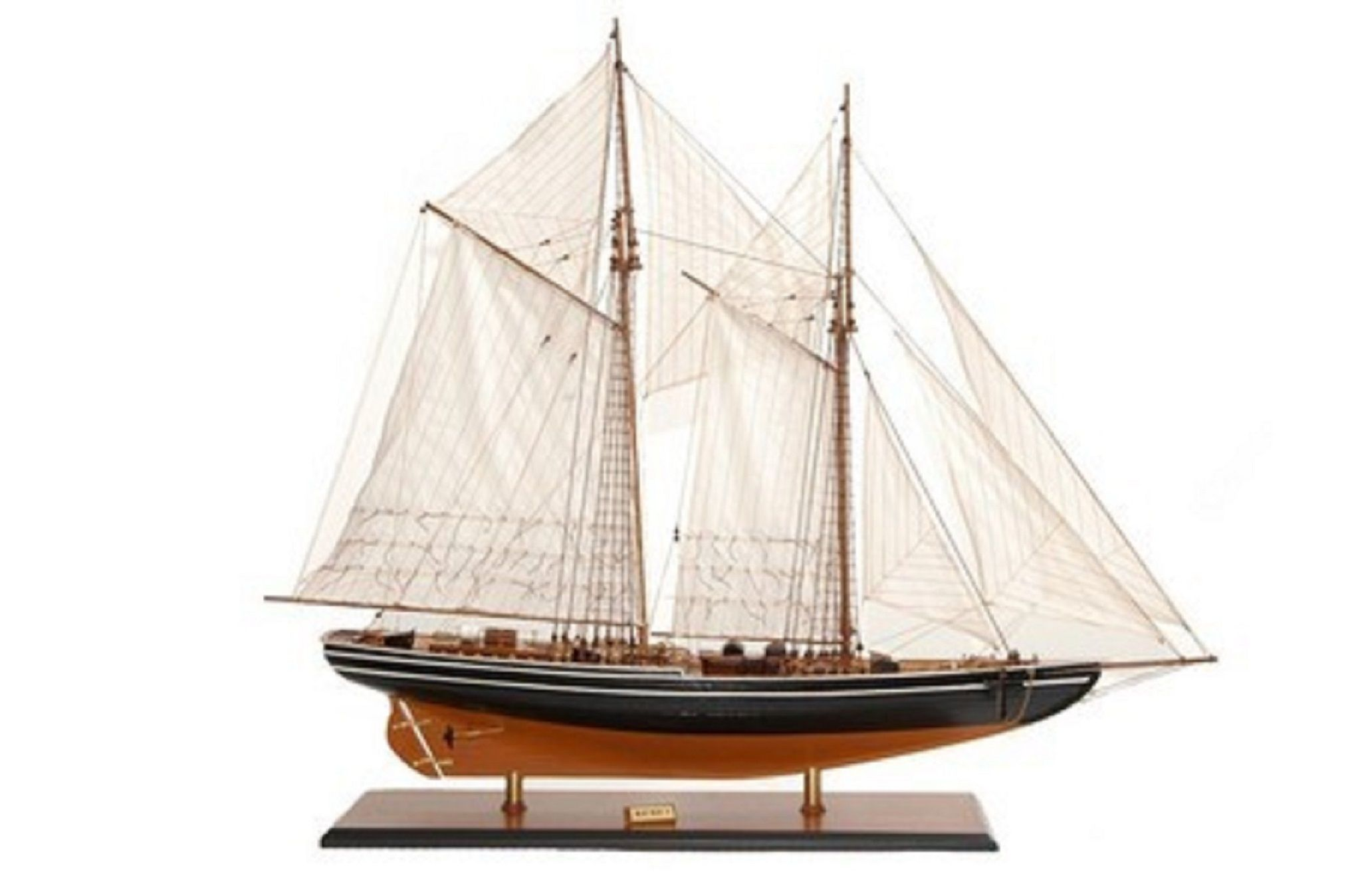 471-6968-Blue-Nose-II-Model-Yacht-Premier-Range