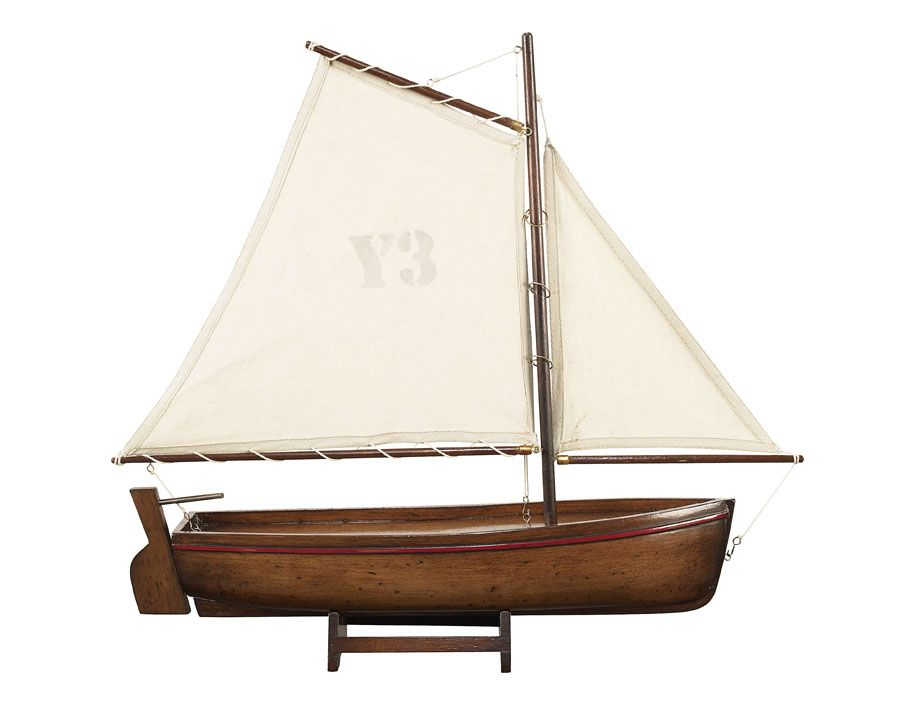 1051-12521-Madeira-Model-Yacht-Standard-Range-Authentic-Models-AS140FAS141FAS142F