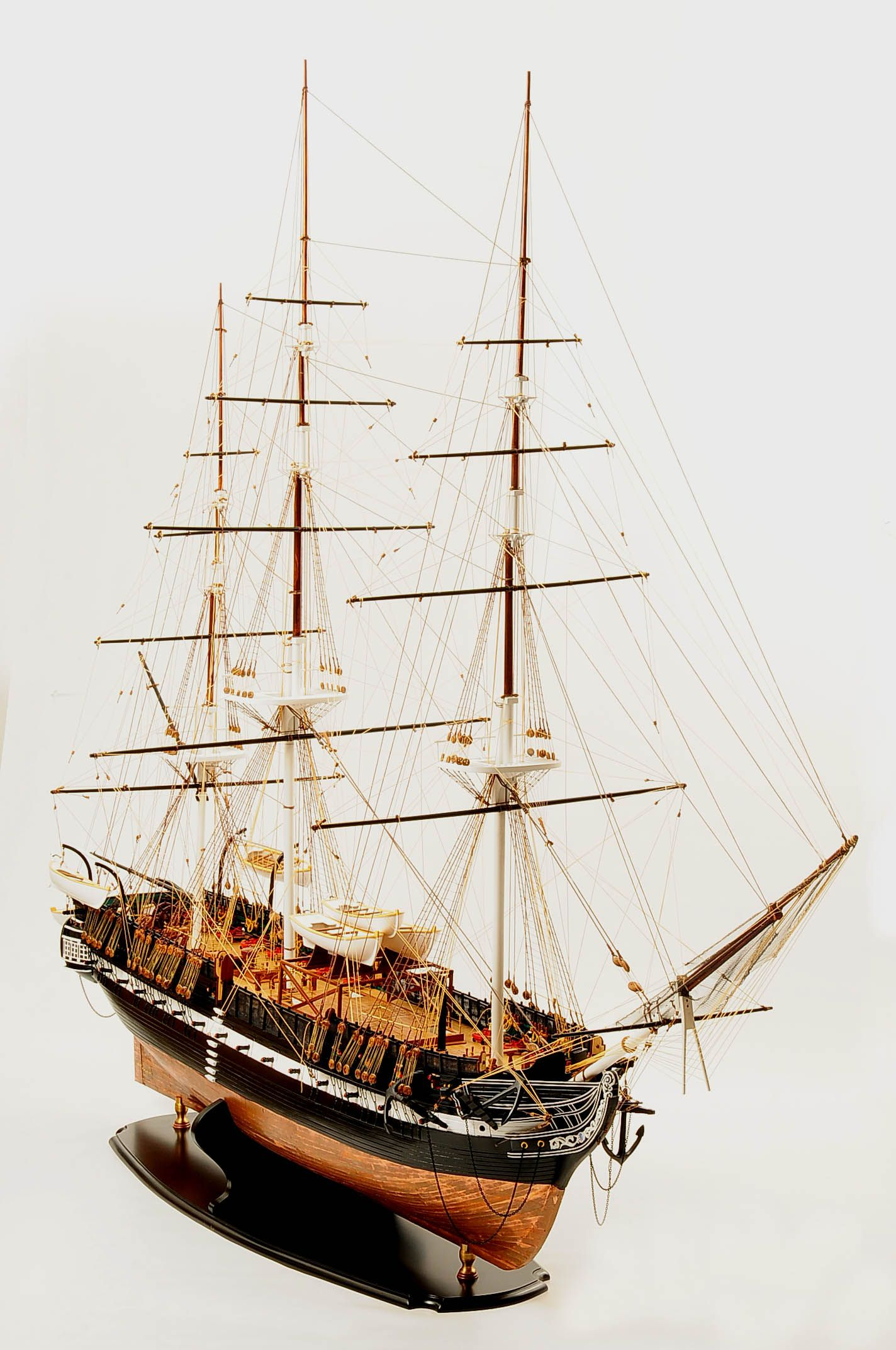 1258-7854-USS-Constitution-Model-Ship-Premier-Range