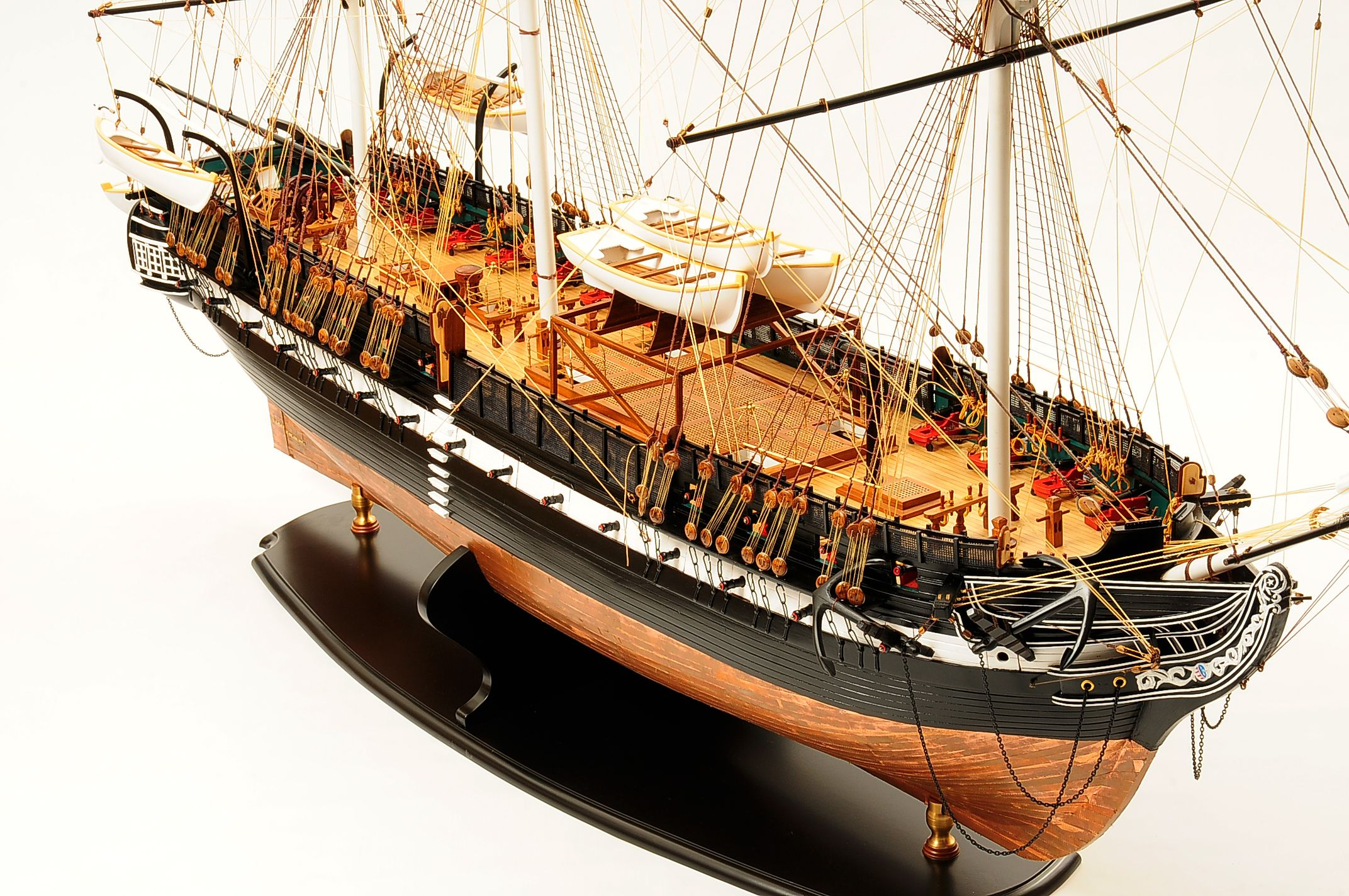 1258-7855-USS-Constitution-Model-Ship-Premier-Range