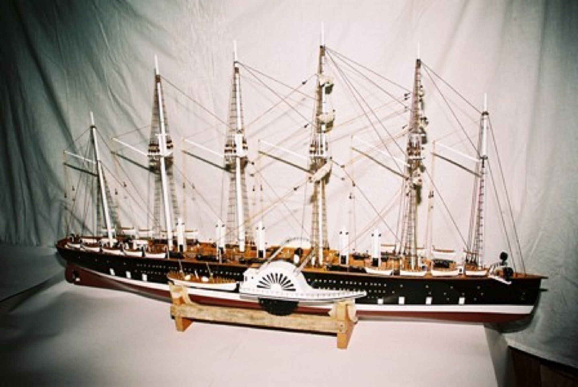 1259-6852-Great-Eastern-Model-Ship