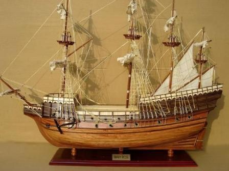 2542-Mary-Rose-Model-Ship-Standard-Range