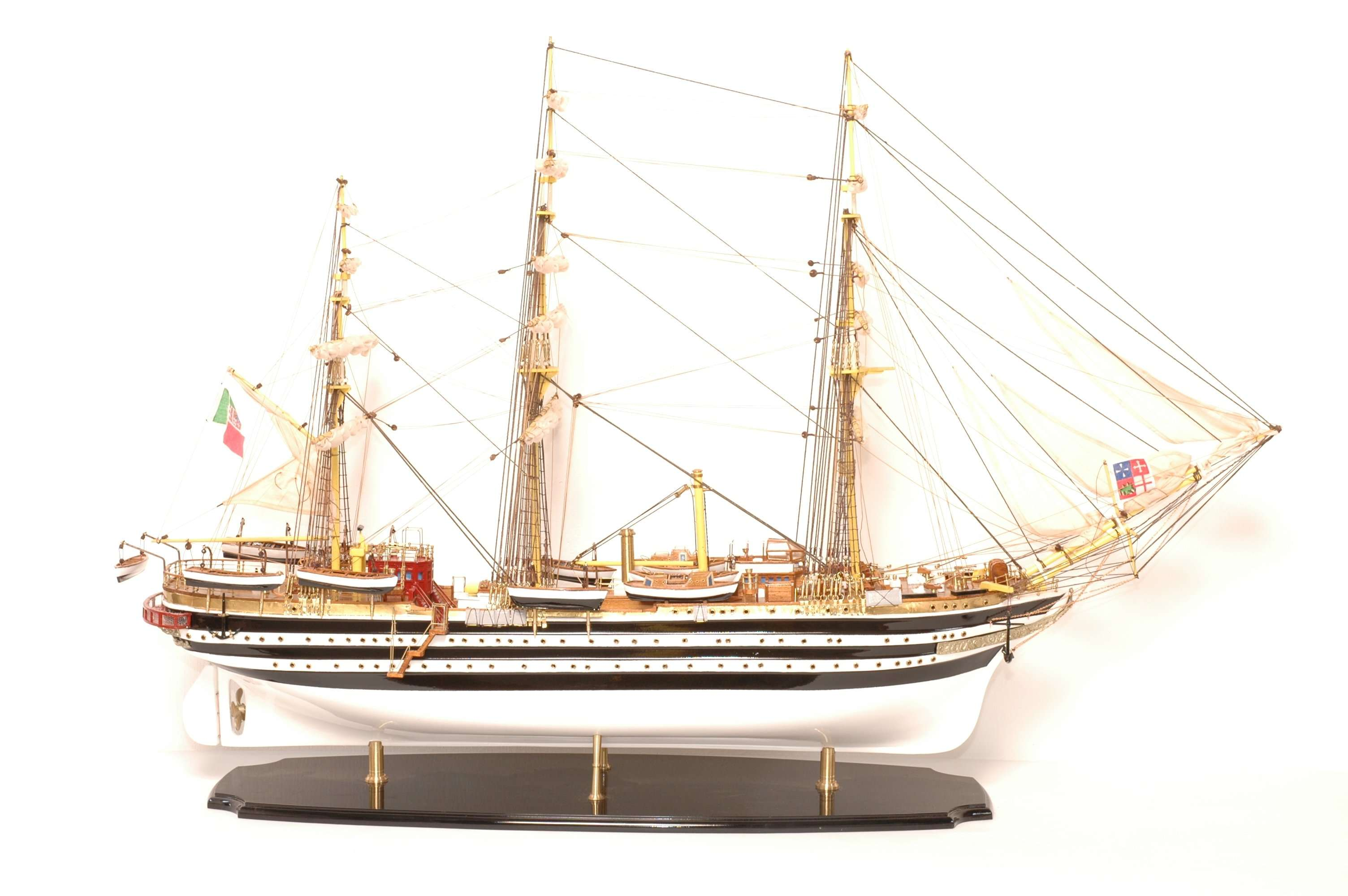 498-4210-Amerigo-Vespucci-Model-Ship-Superior-Range