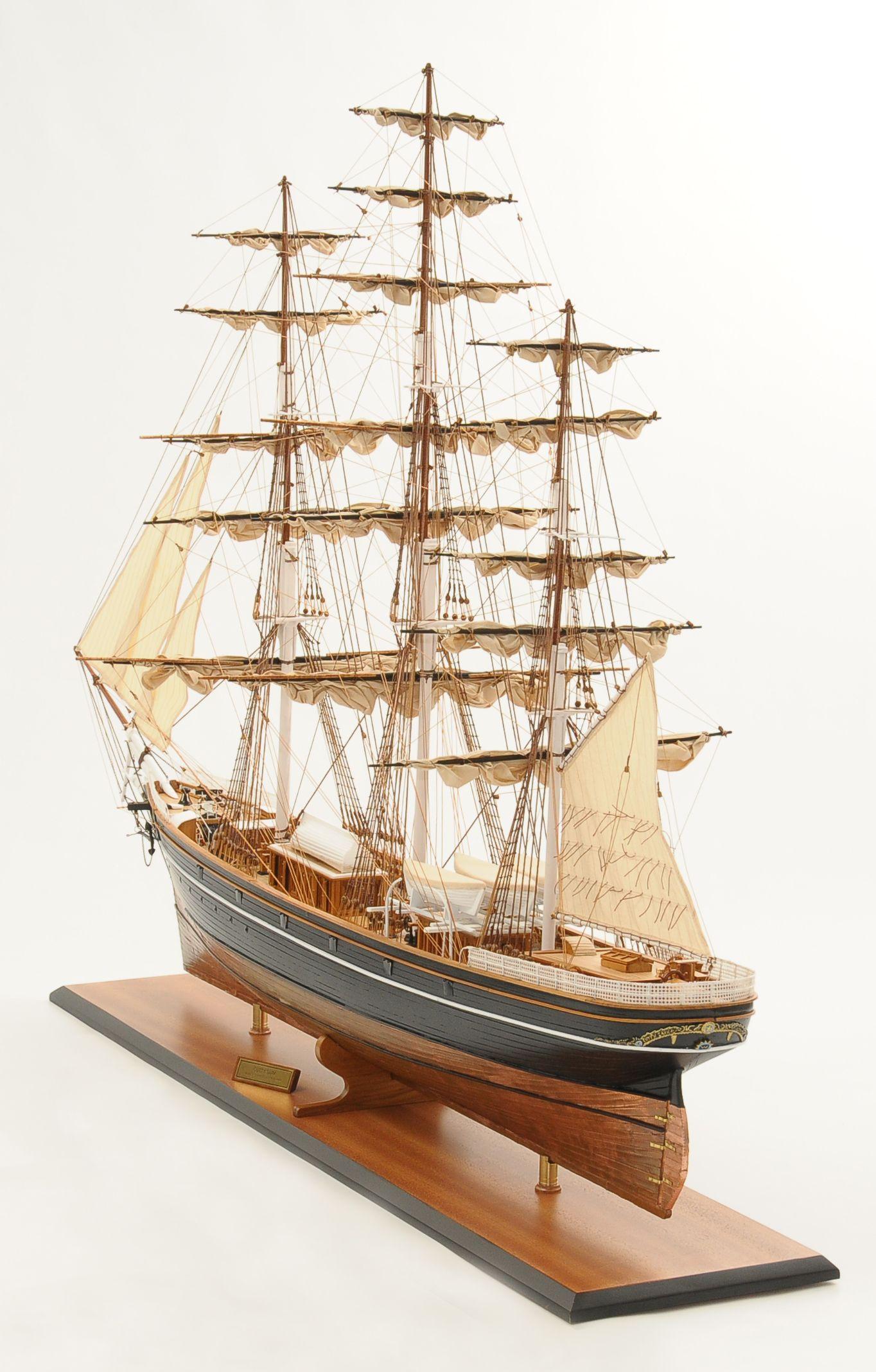 553-8664-Cutty-Sark-model-ship-Premier-Range