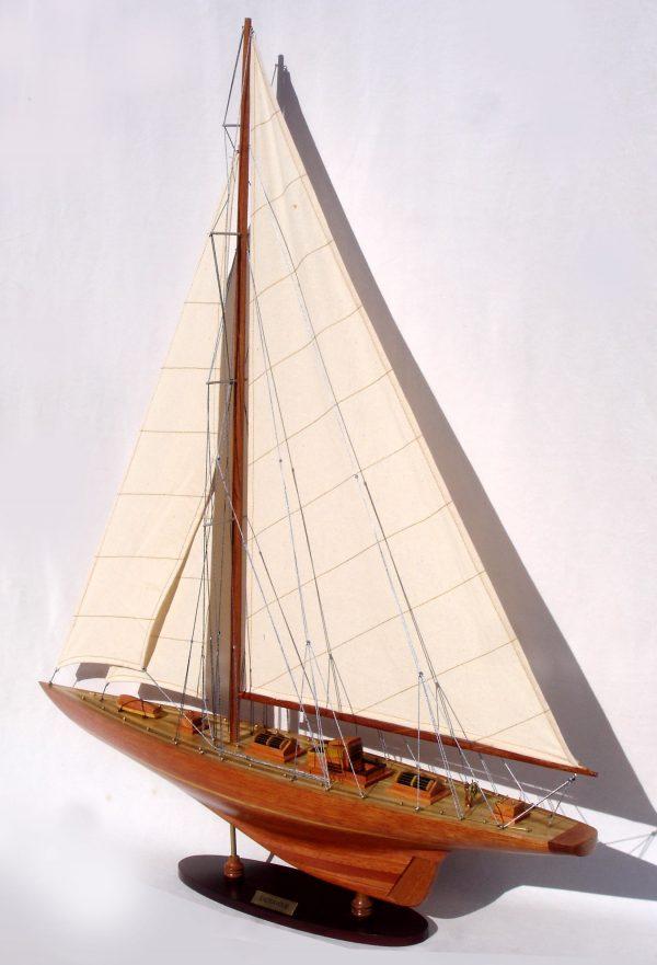 Endeavour Model Yacht  (Standard Range) - GN (YT0001W-60/YT0001P-60)