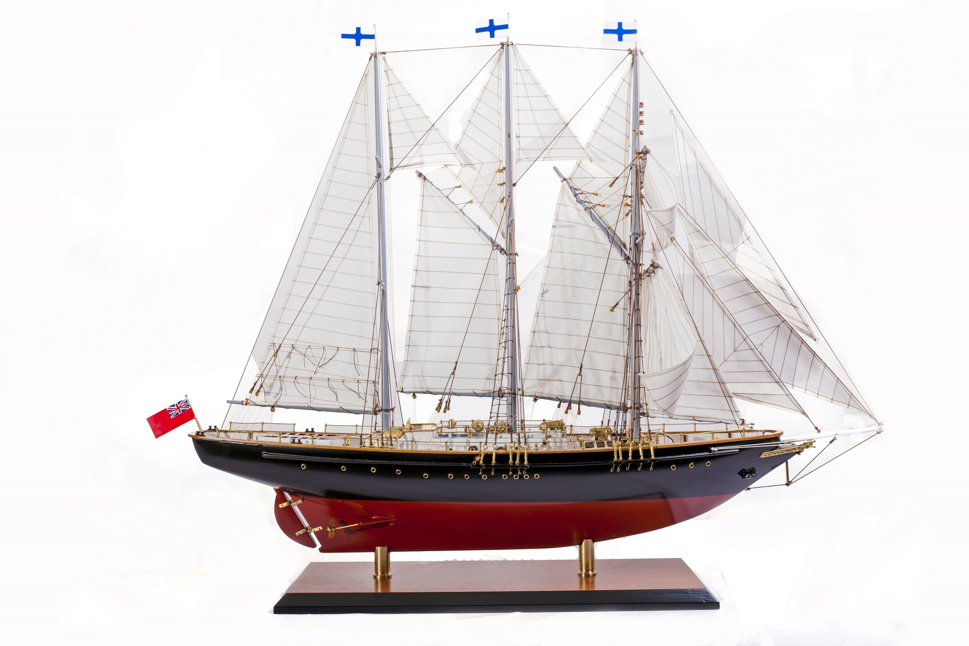 1524-9091-Sir-Winston-Churchill-Model-Boat