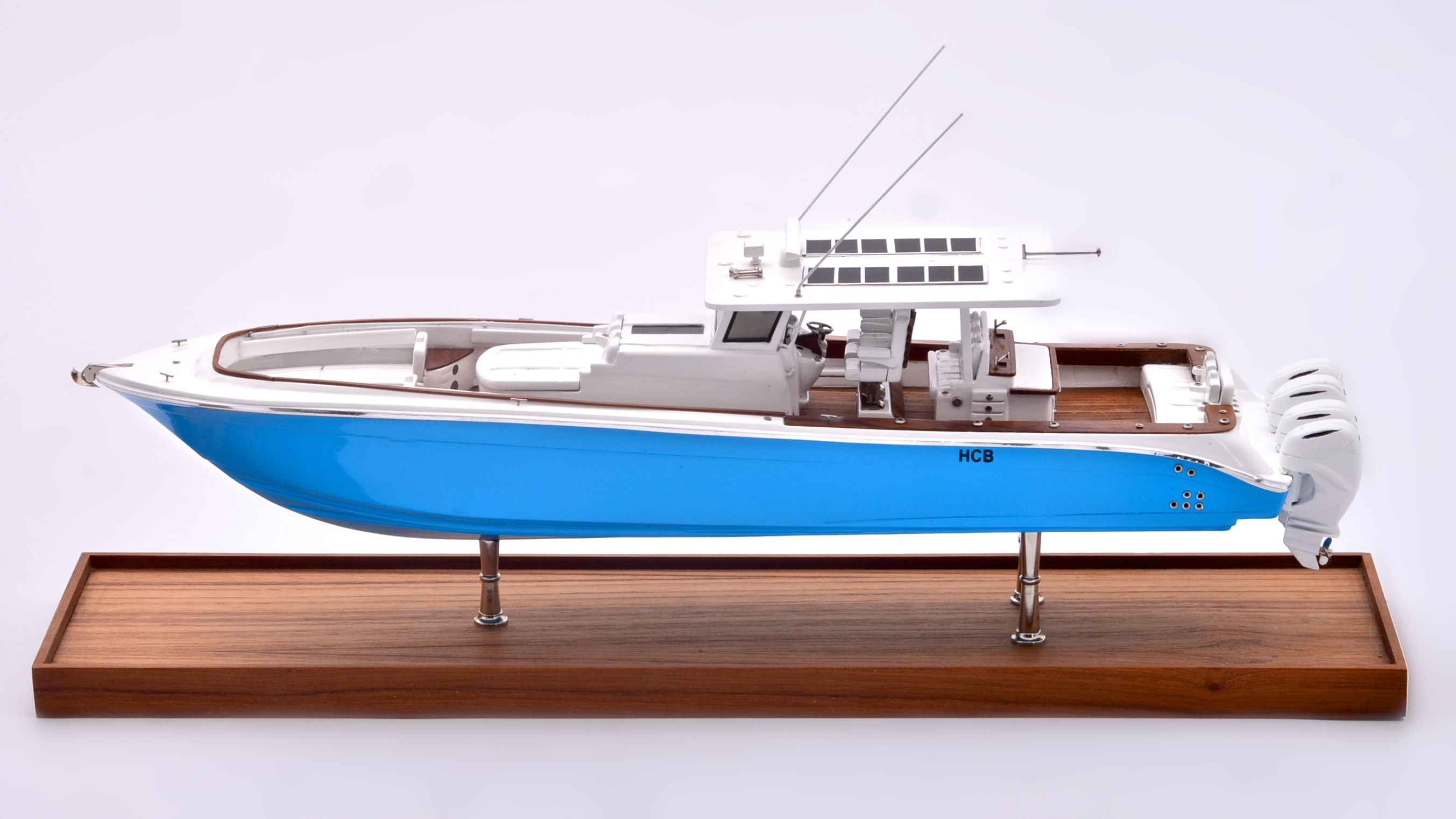 Suenos Model Yacht (Blue)