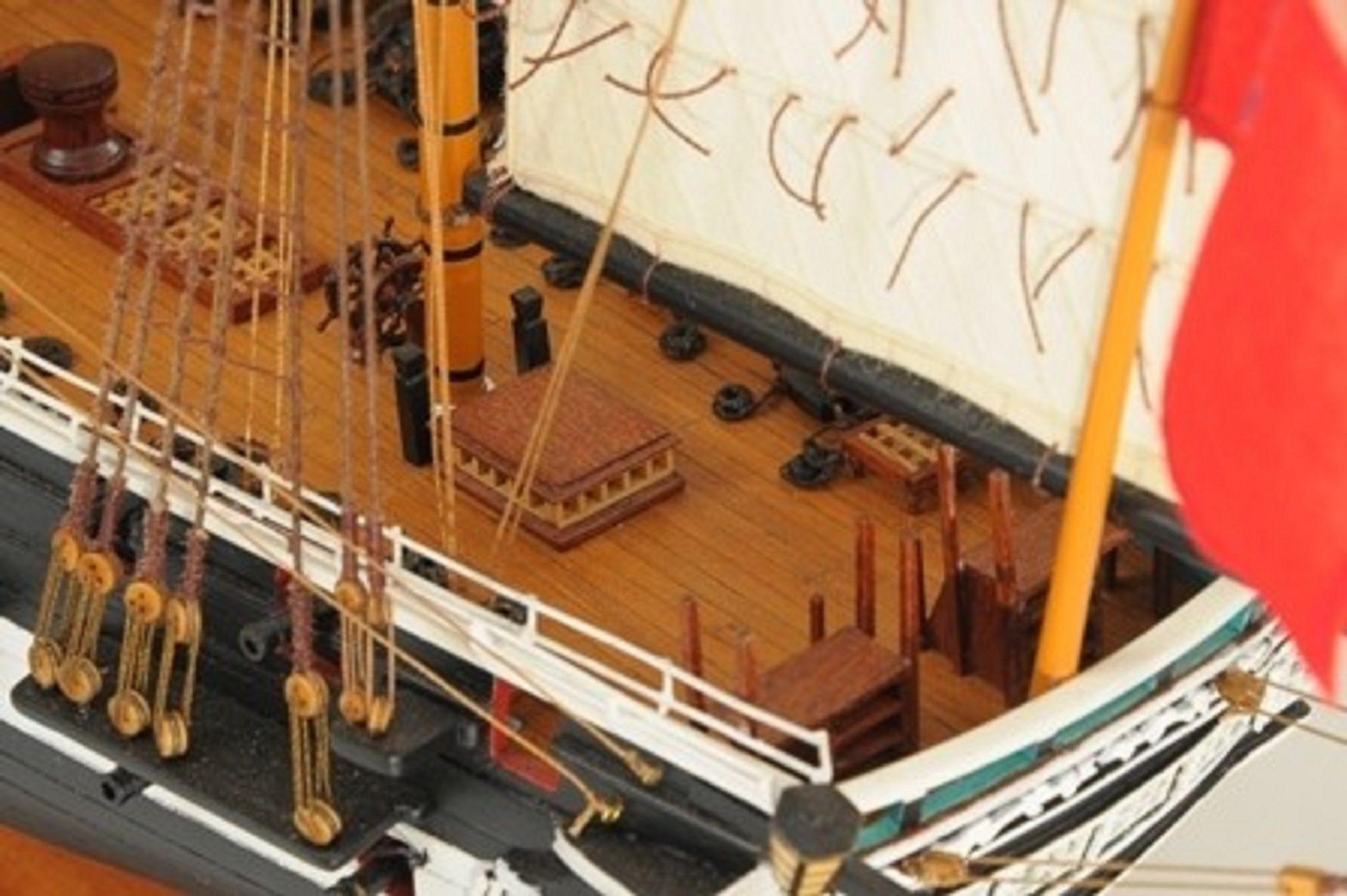 1059-7416-HMS-Trincomalee-Ship-Model-Premier-Range