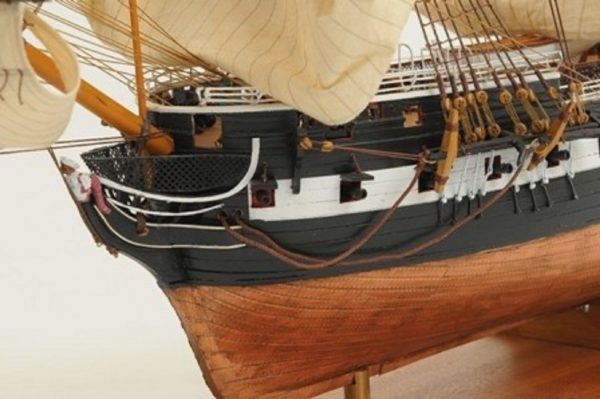 1059-7417-HMS-Trincomalee-Ship-Model-Premier-Range
