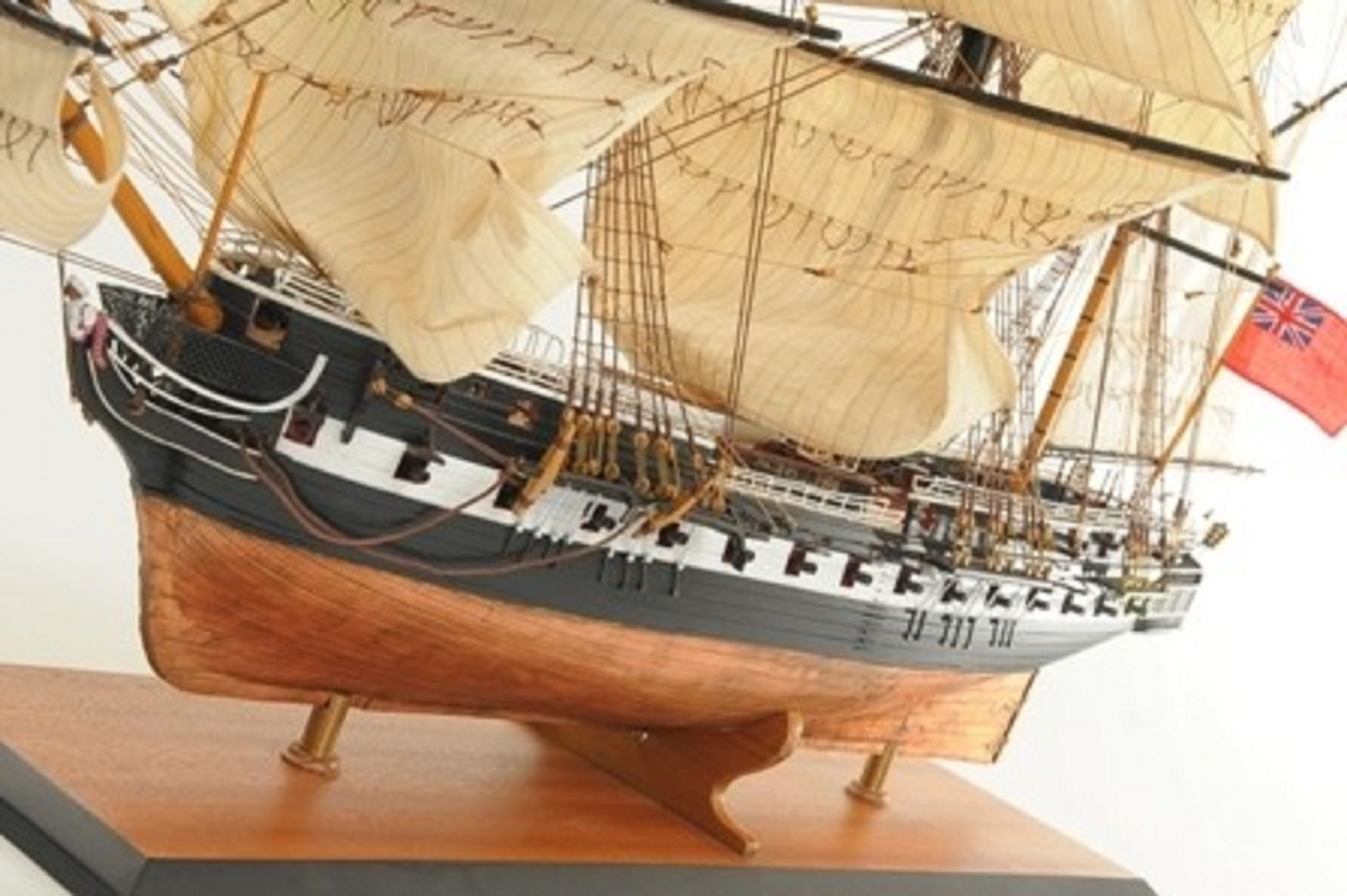 1059-7418-HMS-Trincomalee-Ship-Model-Premier-Range