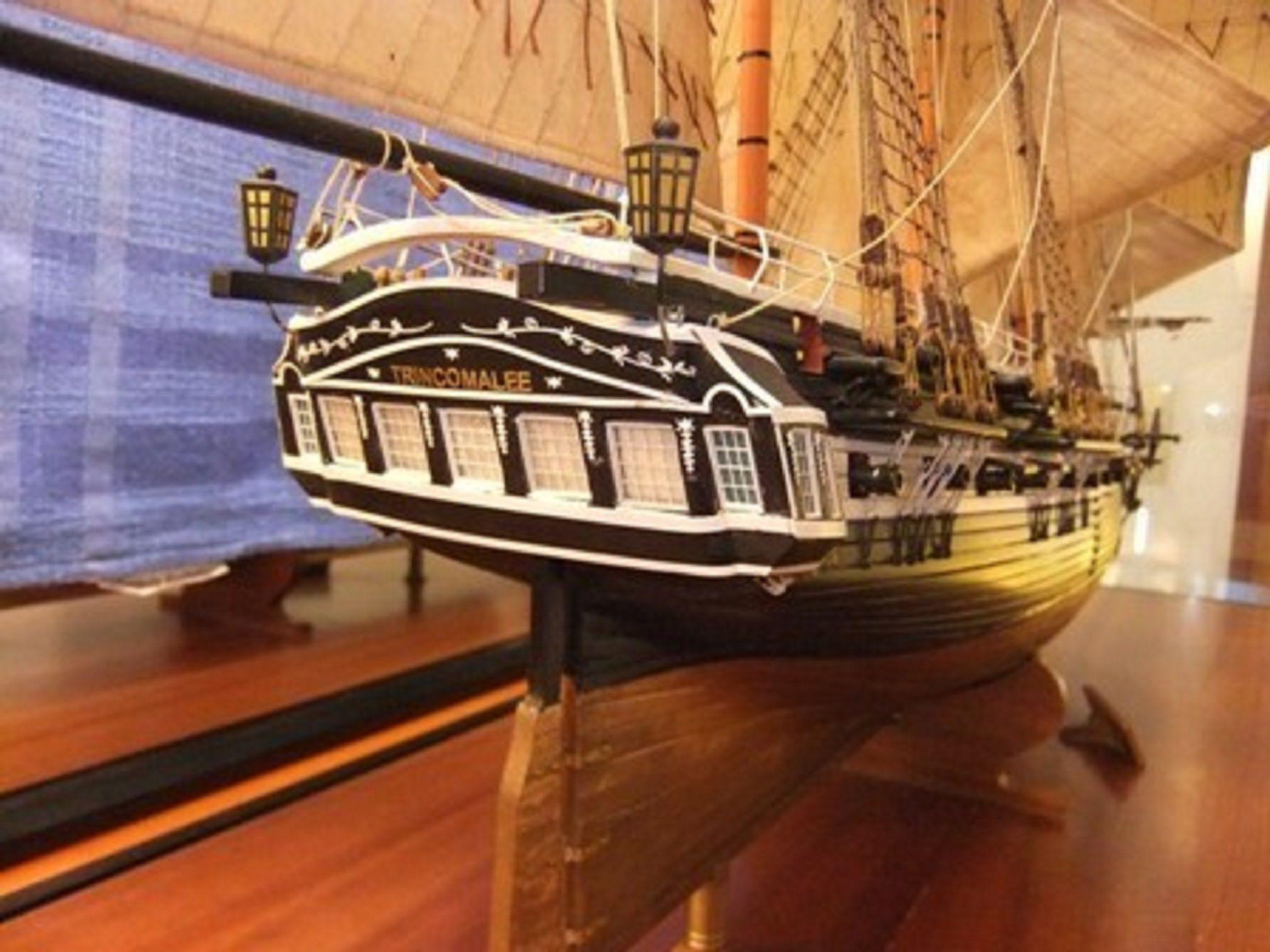 1059-7421-HMS-Trincomalee-Ship-Model-Premier-Range