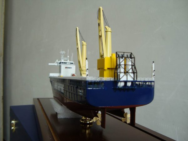 1090-6557-Fairplayer-Jumbo-Shipping