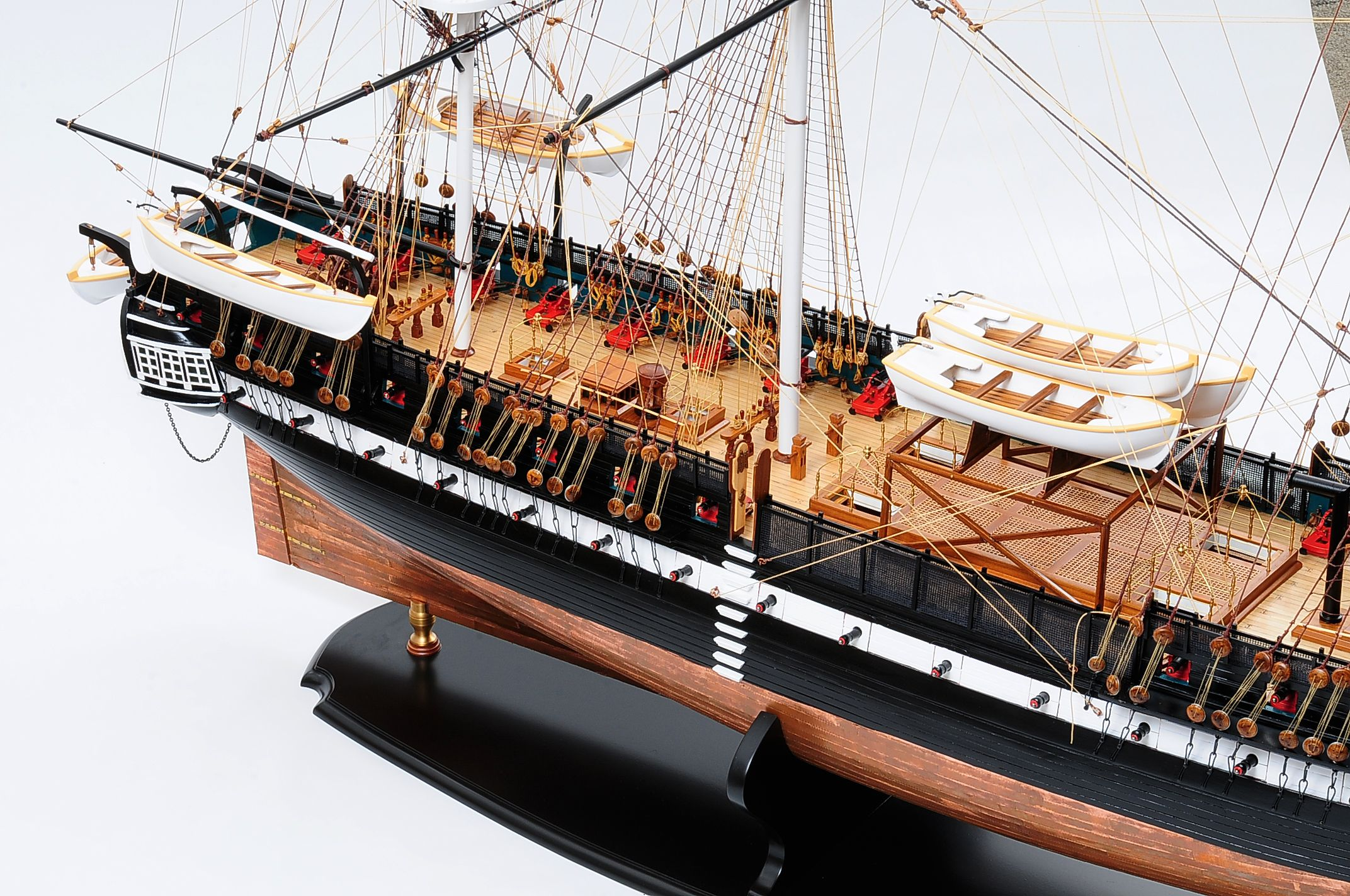 1258-7863-USS-Constitution-Model-Ship-Premier-Range