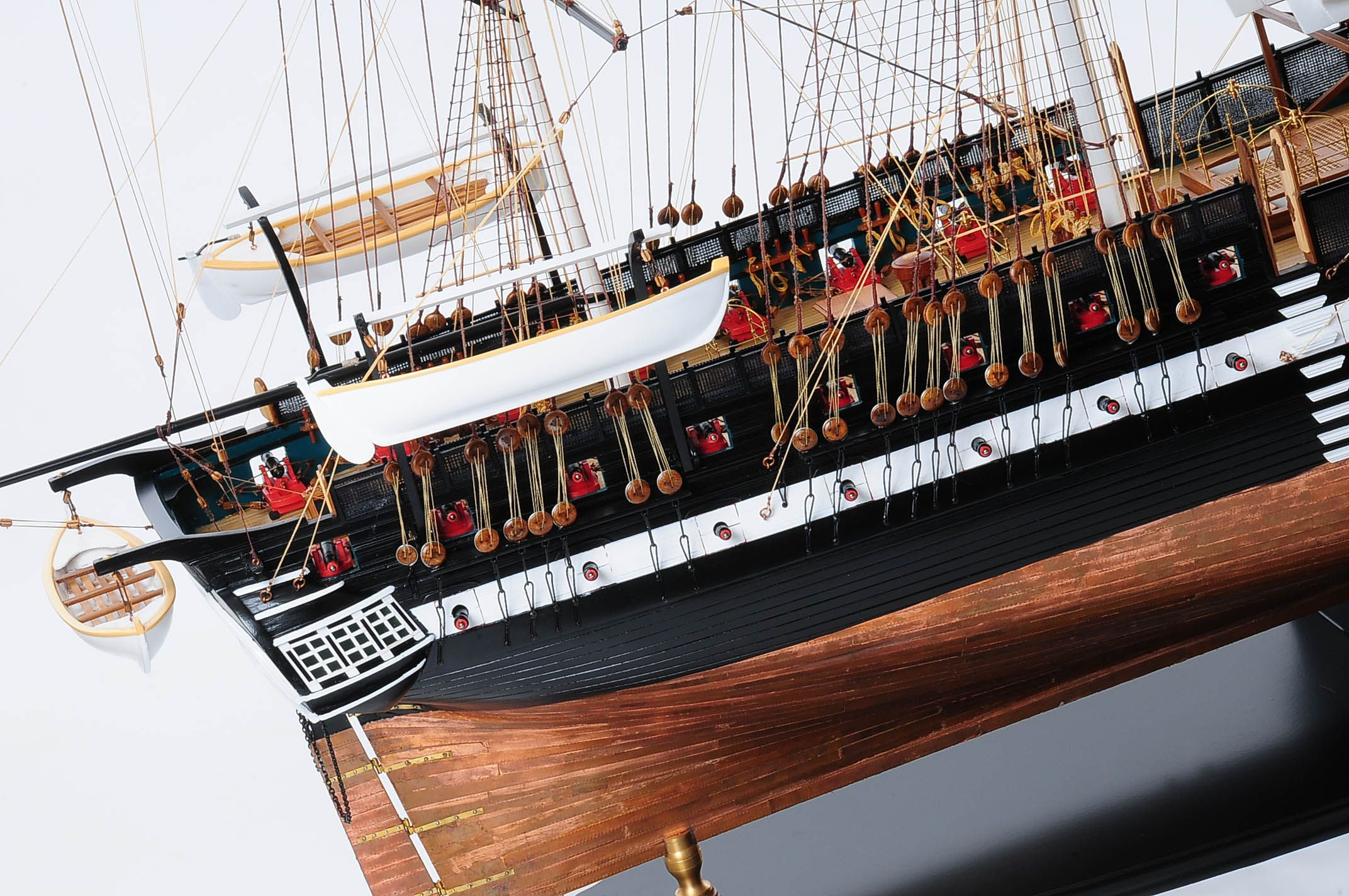 1258-7884-USS-Constitution-Model-Ship-Premier-Range