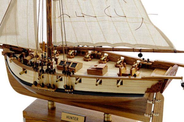 131-8999-HMS-Hunter-Model-Boat-Superior-Range
