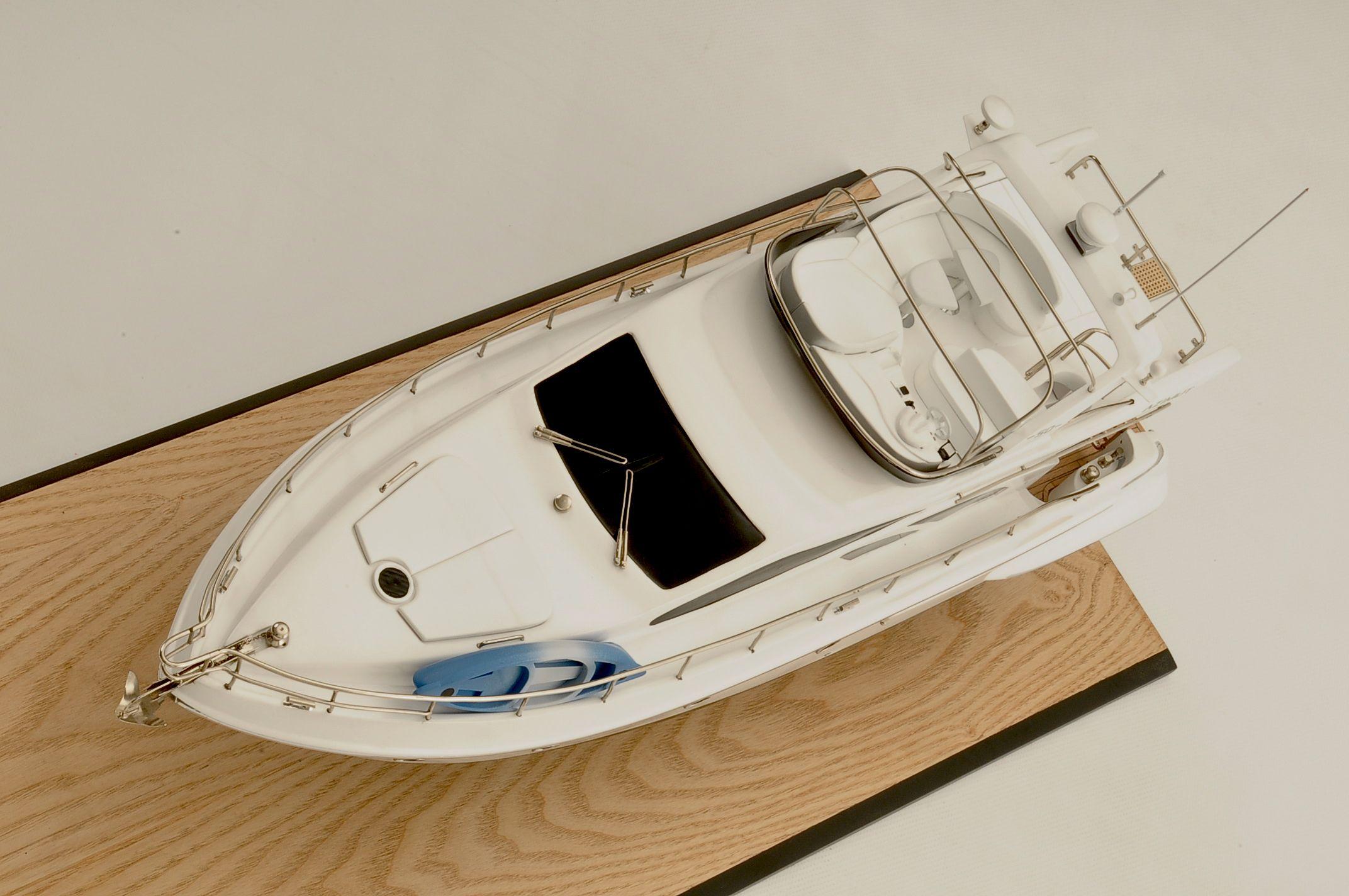 Azimut Model Yacht