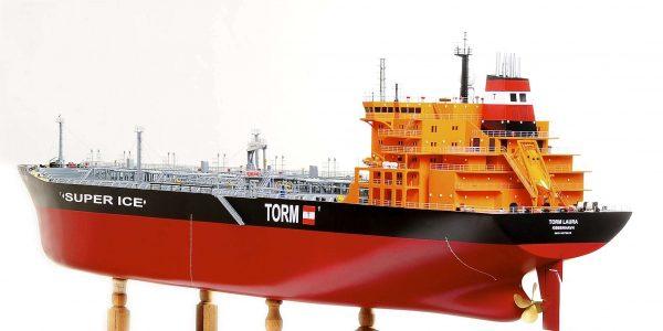 1426-4798-Oil-Tanker-Model-Ship