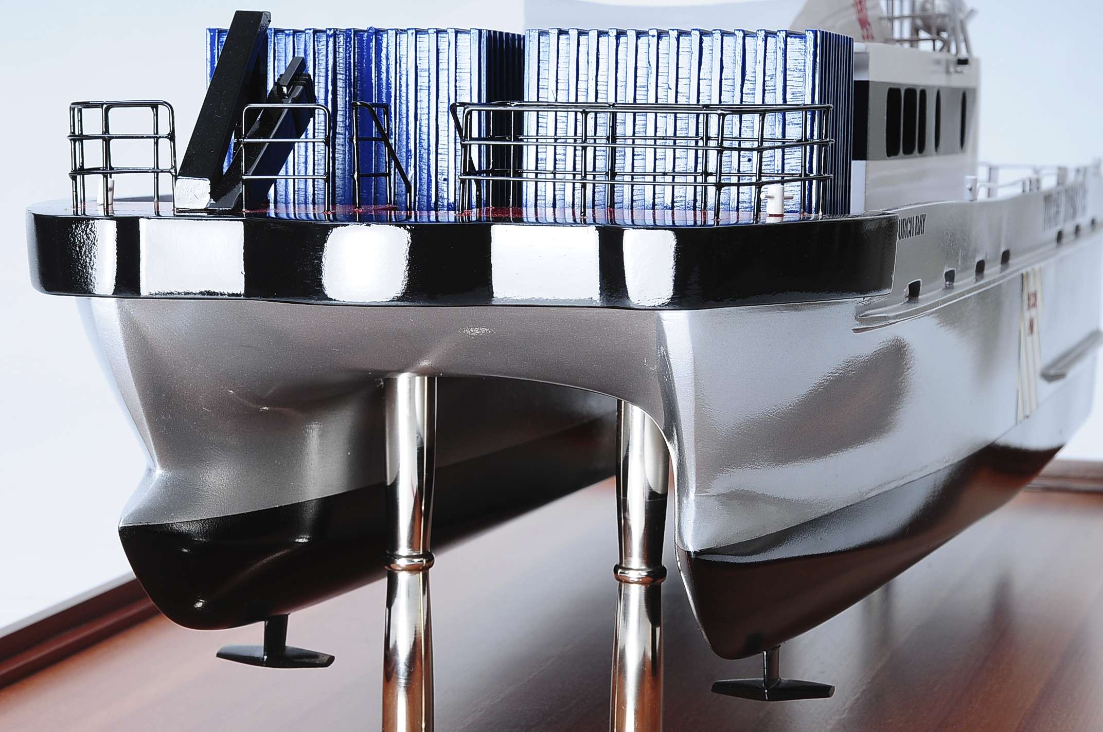 1439-4942-Turbine-Transfer-Catamaran-Model