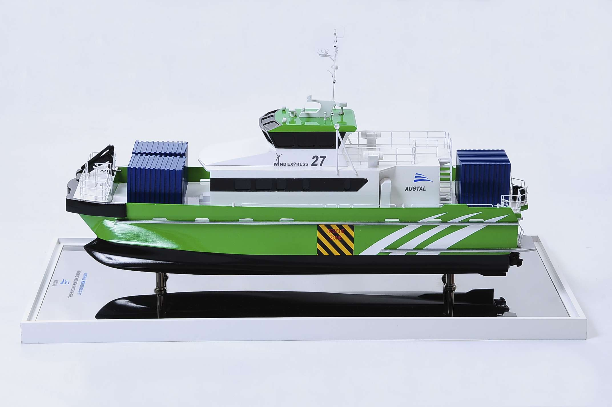 1440-4945-Wind-Express-27-Catamaran-Model