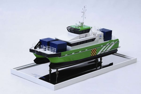 1440-4946-Wind-Express-27-Catamaran-Model