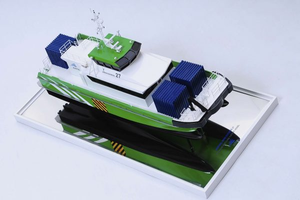 1440-4949-Wind-Express-27-Catamaran-Model