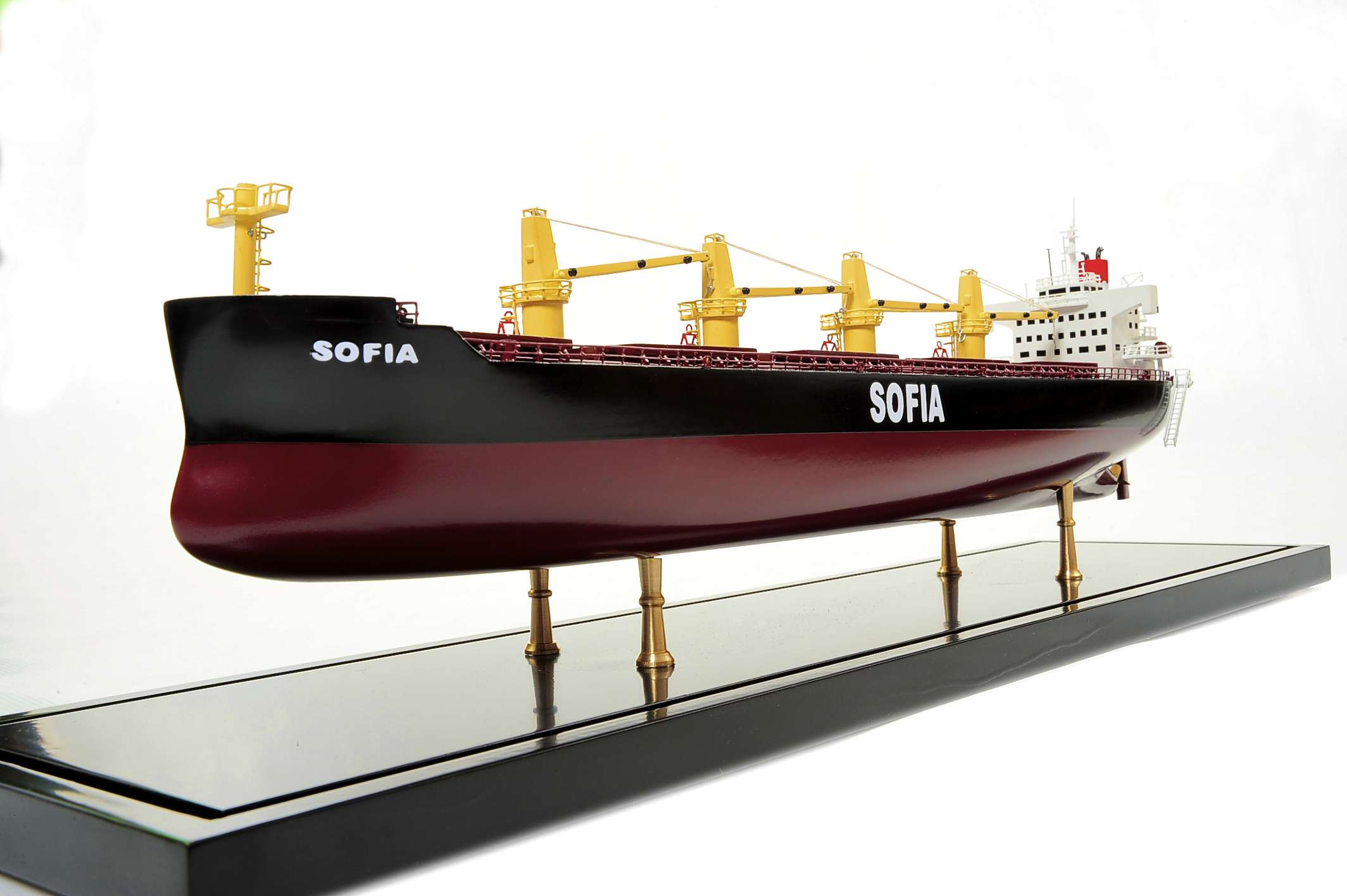 1450-4510-Bulk-Carrier-3-Model-Ship