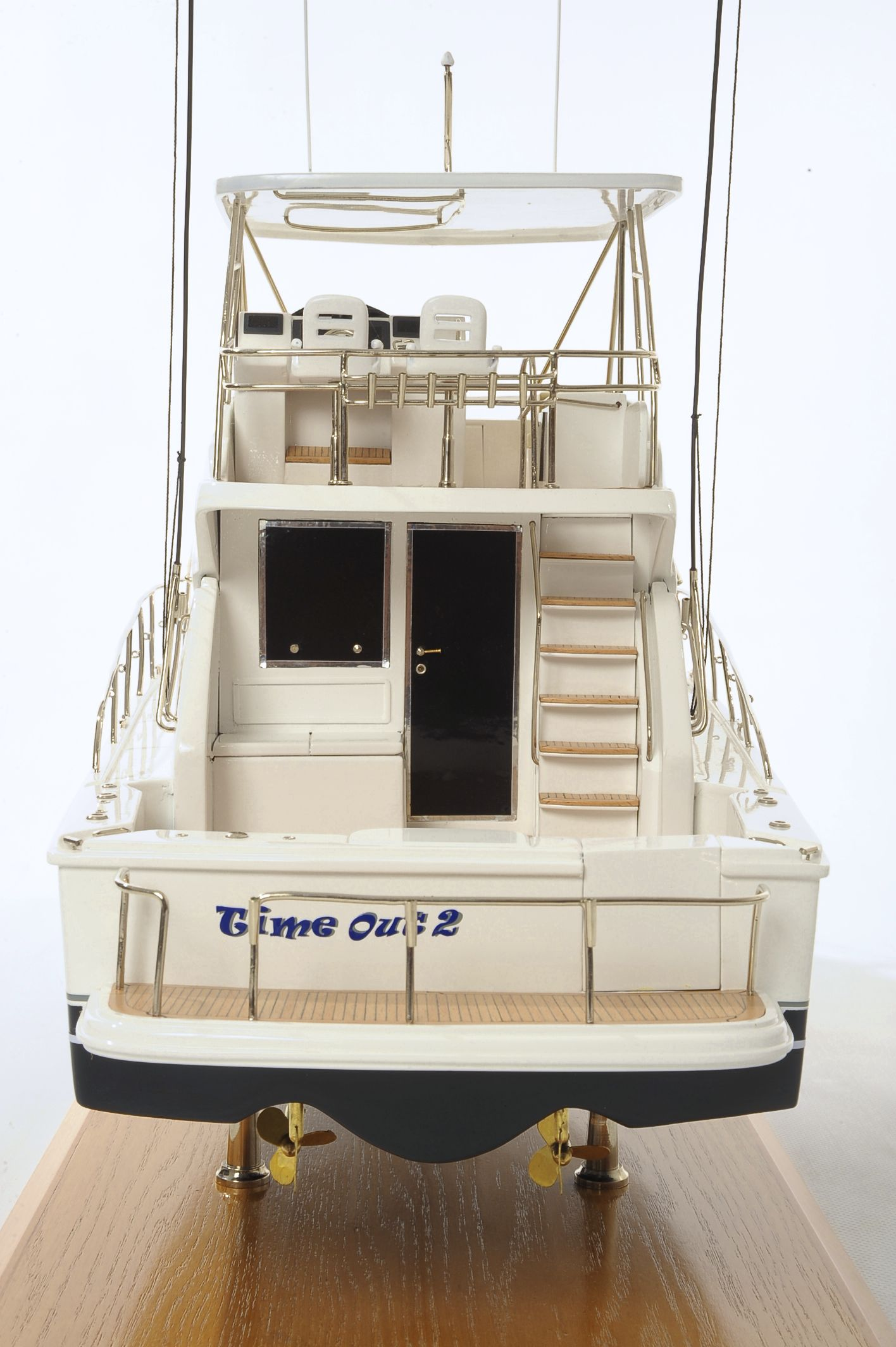 1517-8964-Rivera-45-Model-Boat-Time-Out-2