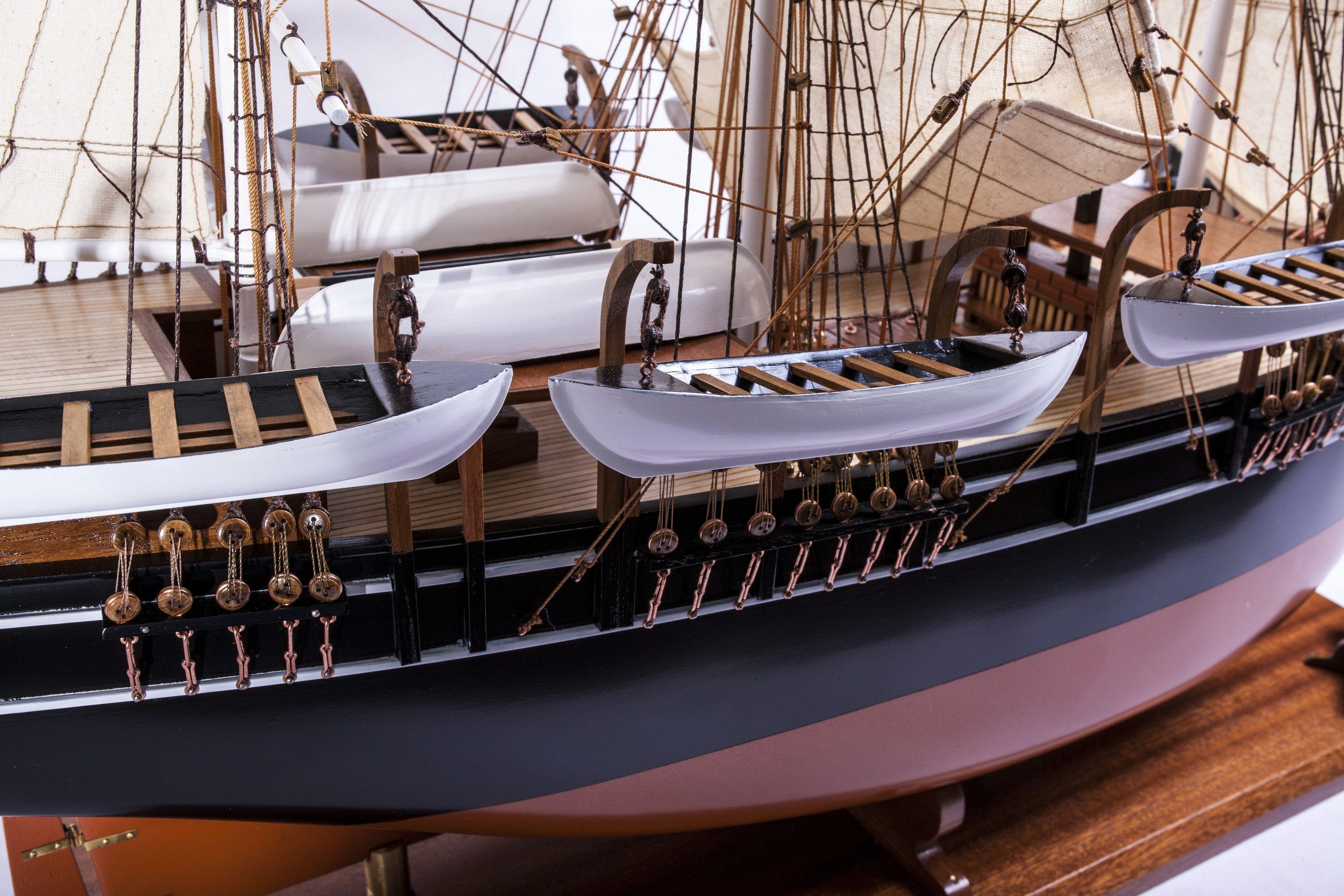 1523-9089-Pequod-Whaler
