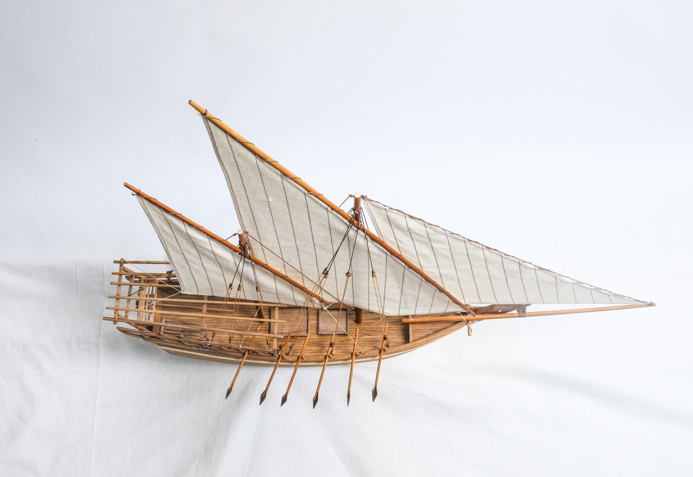 1528-9185-Shu-ai-Dhow-Model-Boat