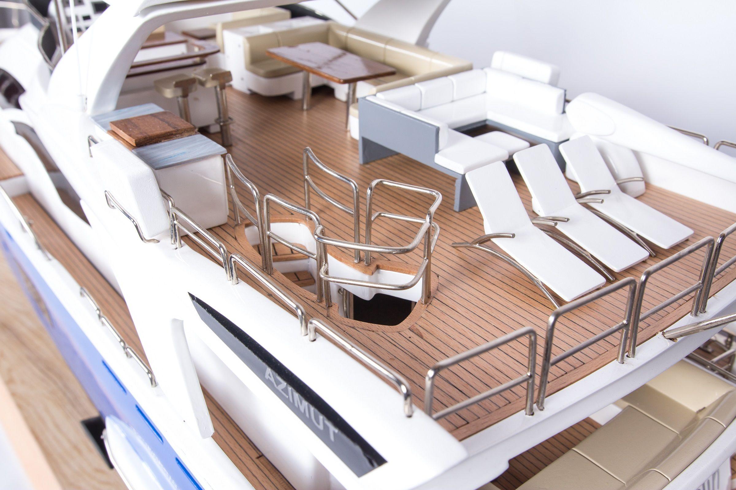 1665-9353-Azimut-95-Model-Yacht