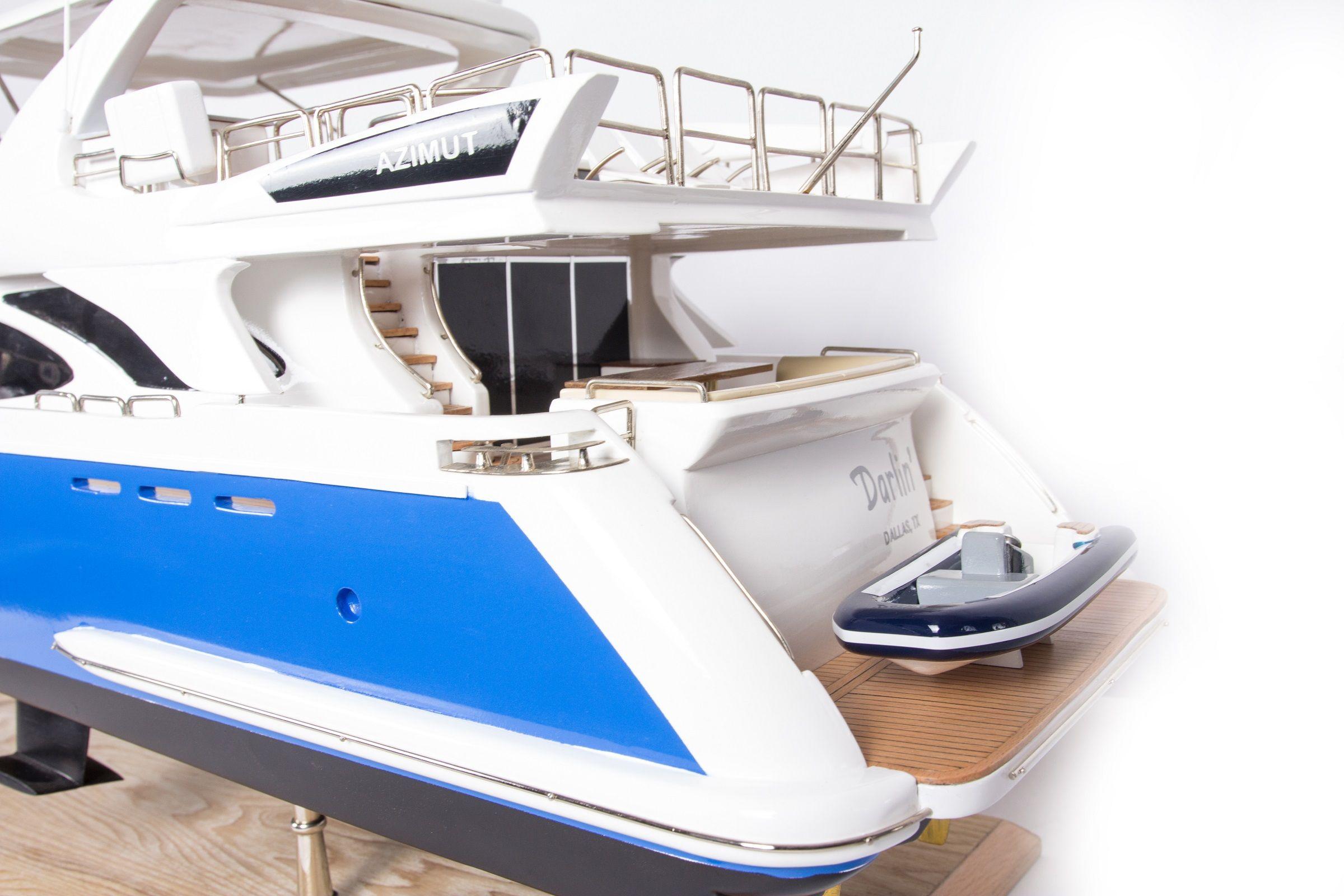 1665-9354-Azimut-95-Model-Yacht