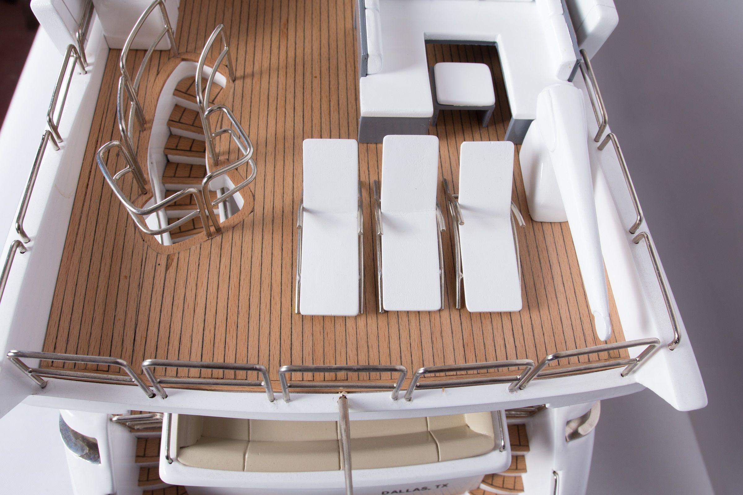 1665-9356-Azimut-95-Model-Yacht