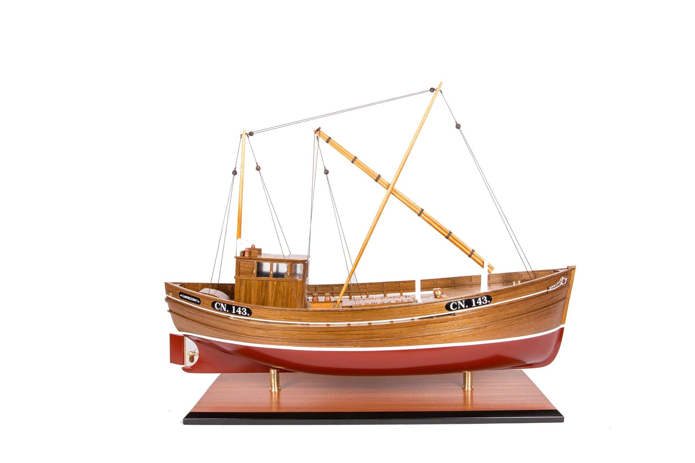 1666-9363-Amalthea-CN-143-Model-Boat