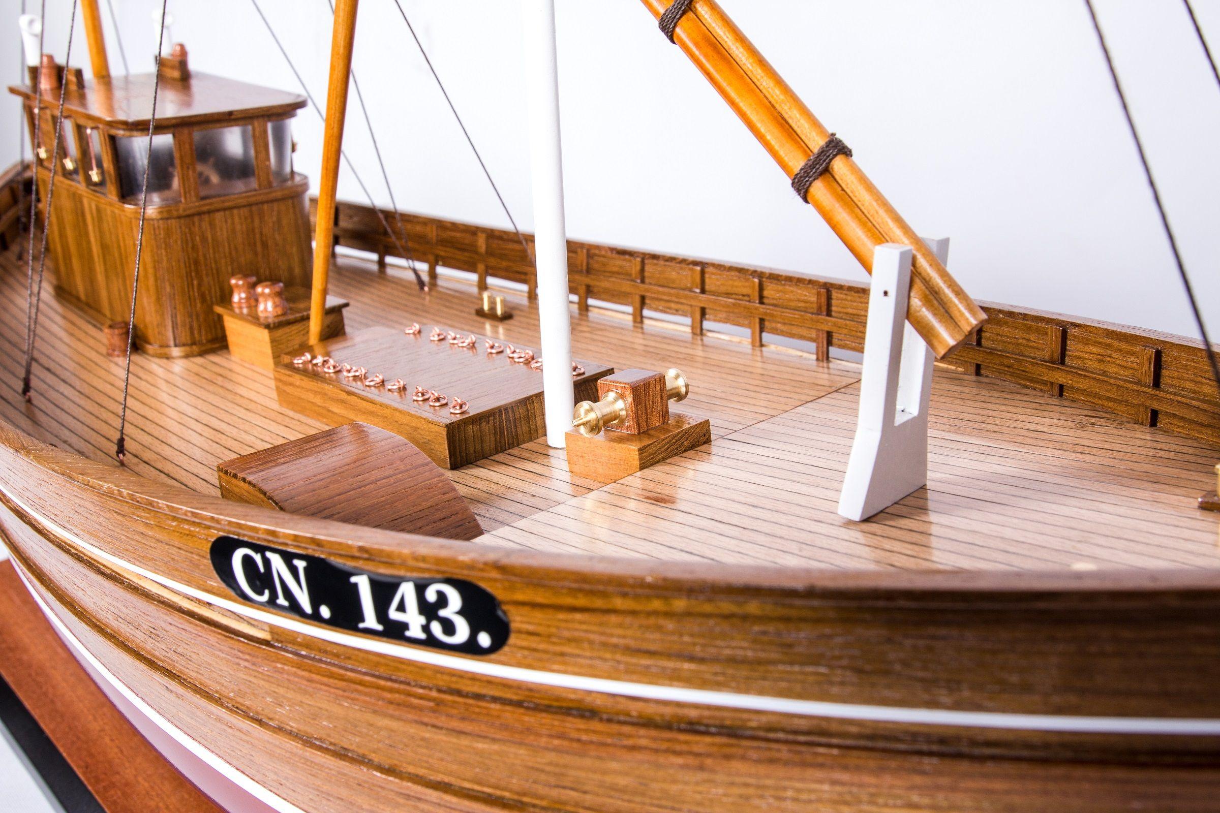 1666-9368-Amalthea-CN-143-Model-Boat