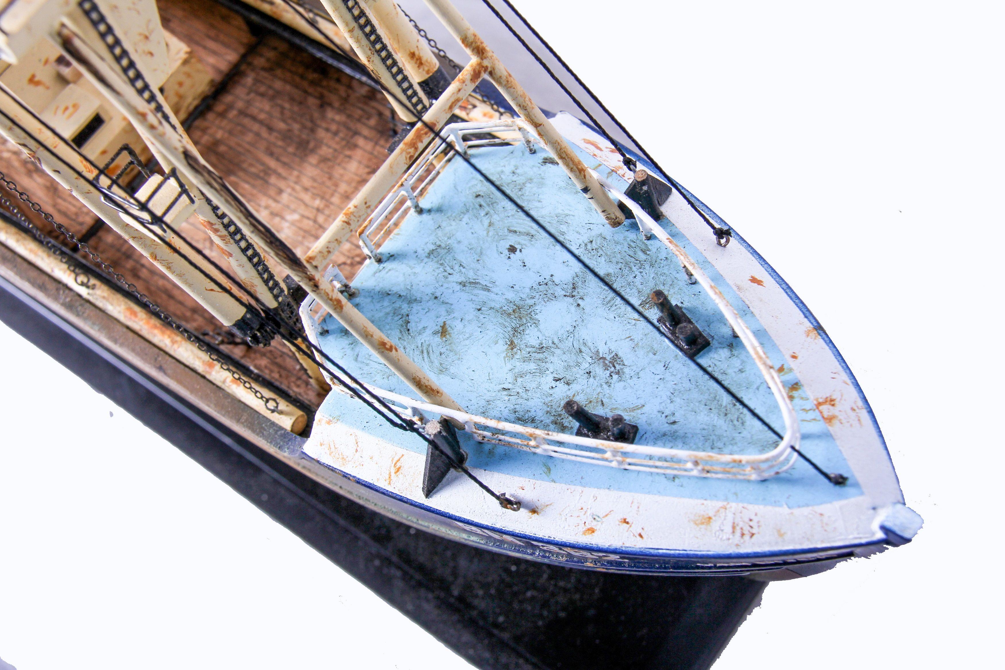 1690-9562-Van-Dijck-Fishing-trawler