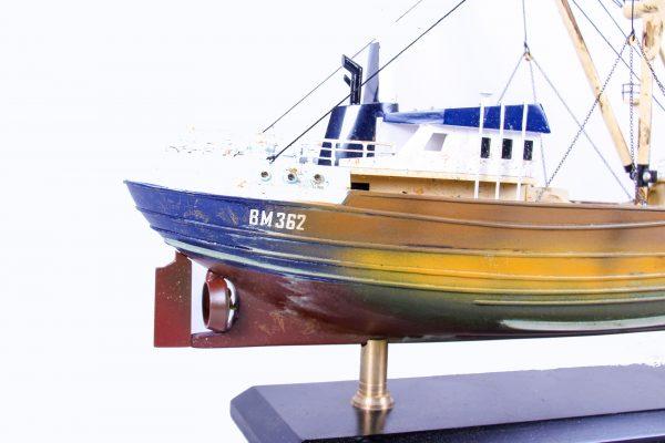 1690-9566-Van-Dijck-Fishing-trawler