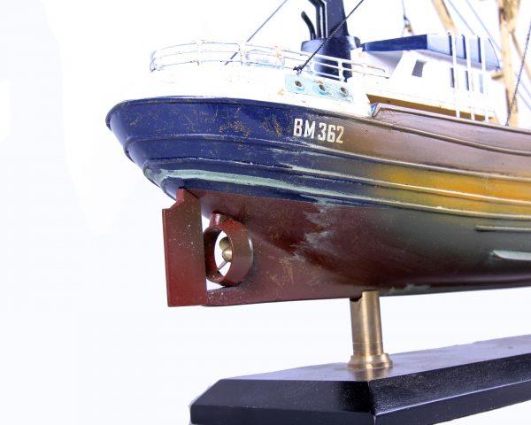 1690-9567-Van-Dijck-Fishing-trawler
