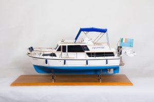 1776-9949-Lady-Penlyric-Model-Boat