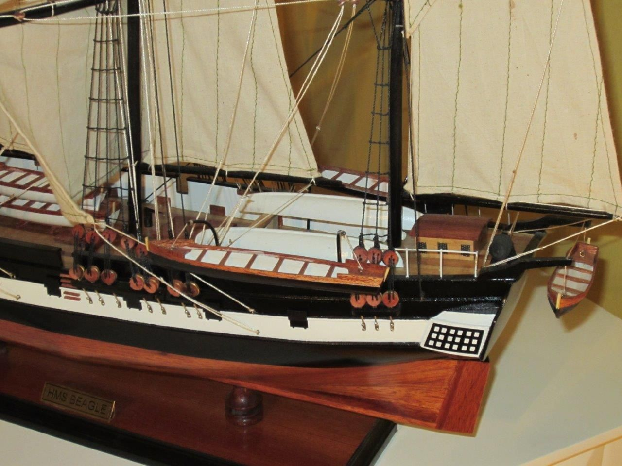 1824-10706-HMS-Beagle-Model-Ship-Standard-Range