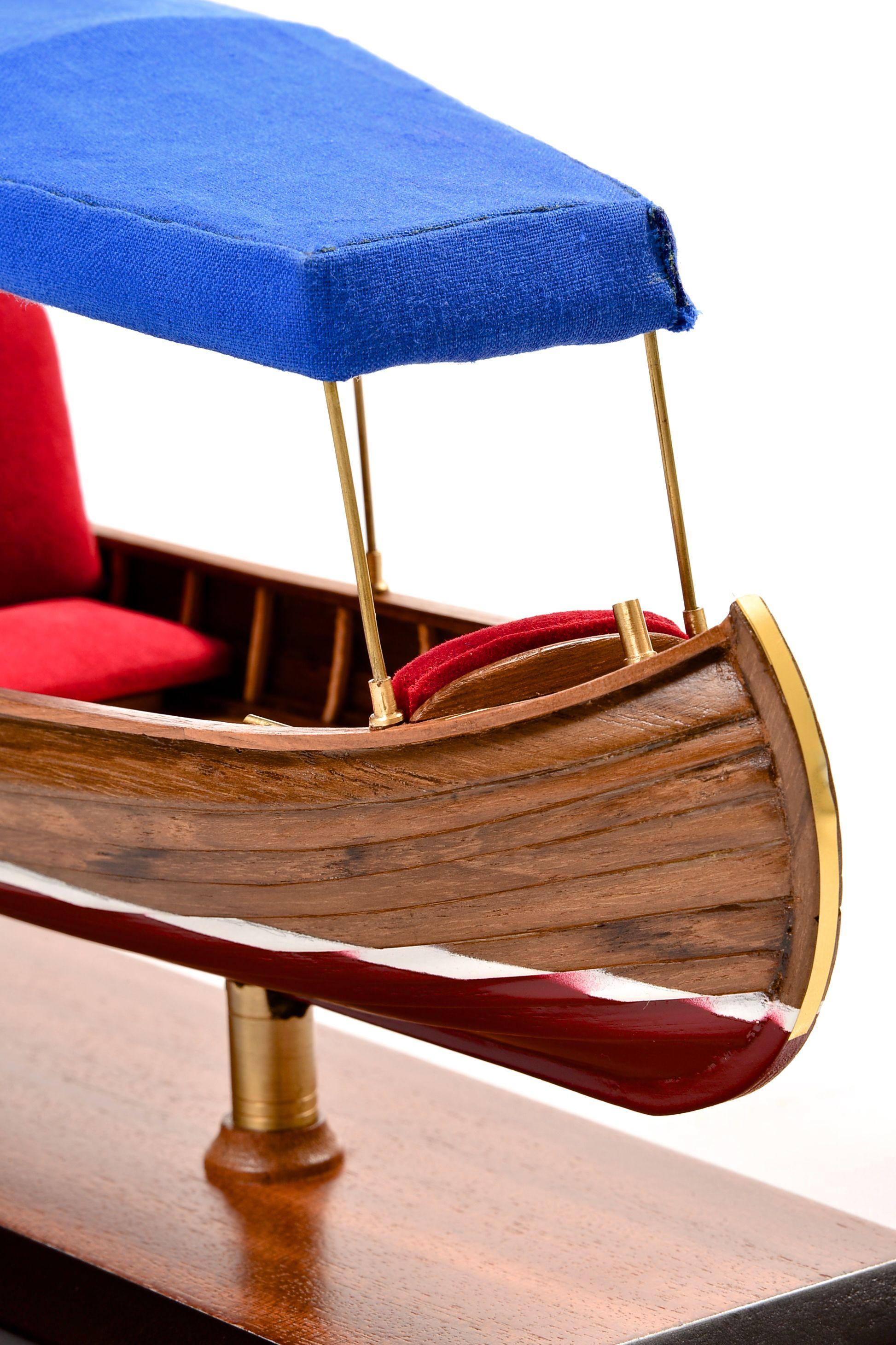 1865-11224-Liddesdale-Electric-Canoe-1920