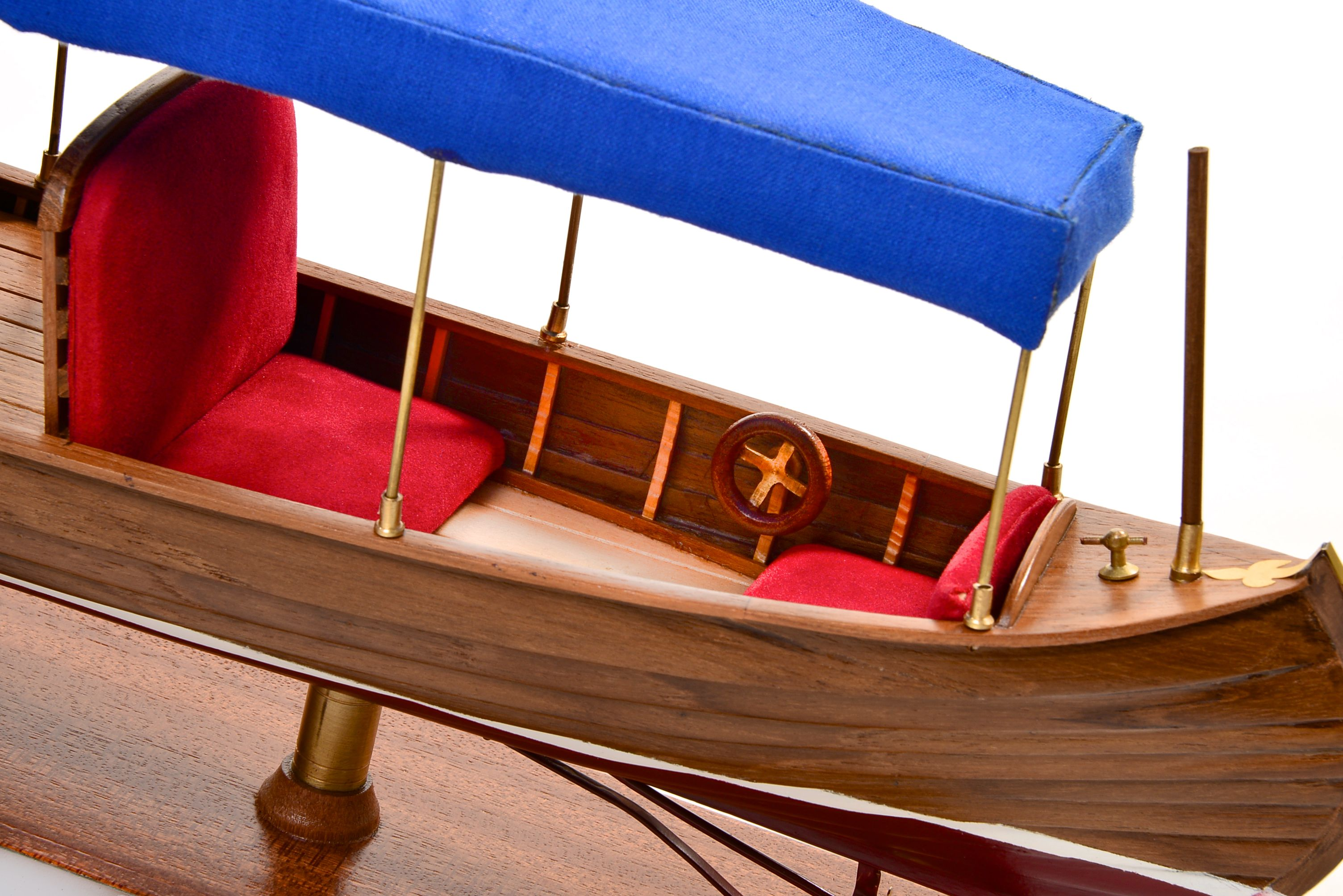 1865-11232-Liddesdale-Electric-Canoe-1920