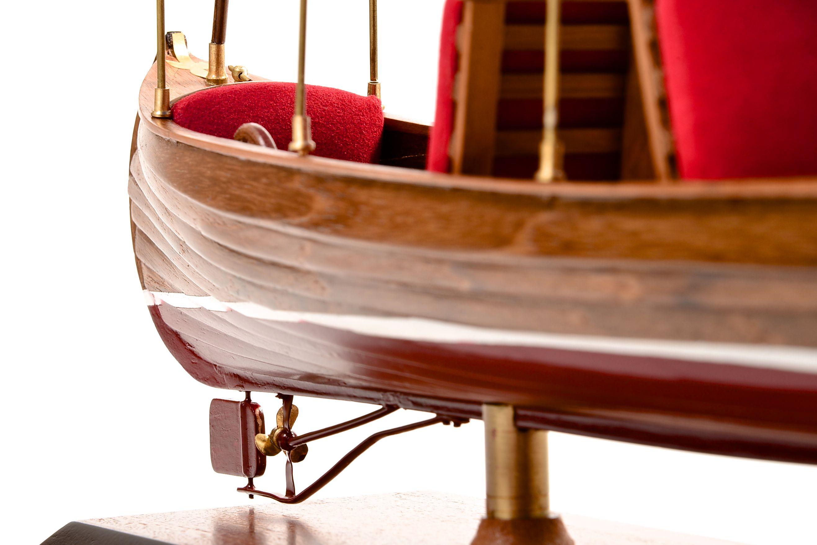 1865-11243-Liddesdale-Electric-Canoe-1920