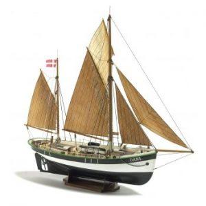 1925-11454-Dana-Fishing-Boat-Kit-Billing-Boats-B200