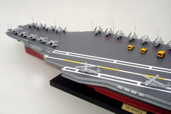 1944-12493-Aircraft-Carrier-Uss-America-CV-66-ship-model
