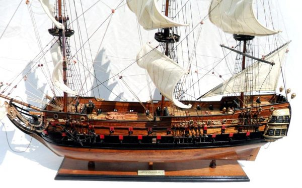 1996-12603-Wapen-von-Hamburg-III-Model-ship